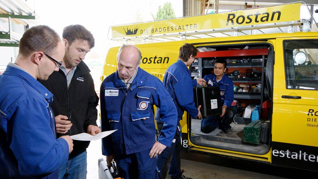 Rostan Oberderdingen: Unsere Handwerker checken den Tagesablauf.